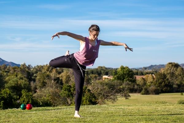 Pratica di yoga a Is Molas