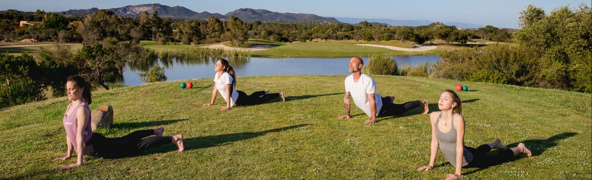 Yoga Natked a Is Molas