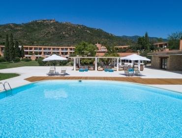 Piscina Is Molas Resort