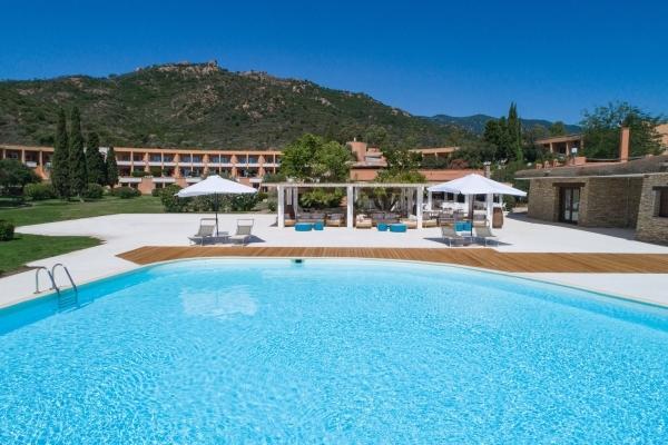 Resort 4* con piscina Sud Sardegna
