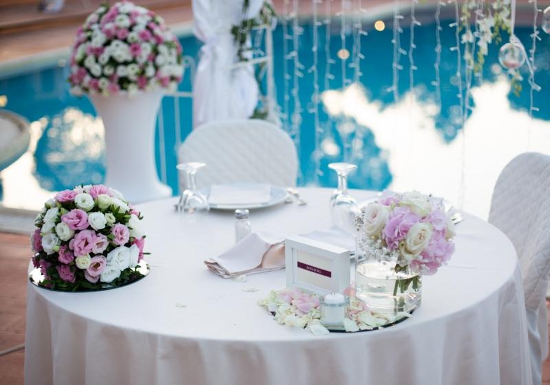 Tavolo banchetto nozze Is Molas