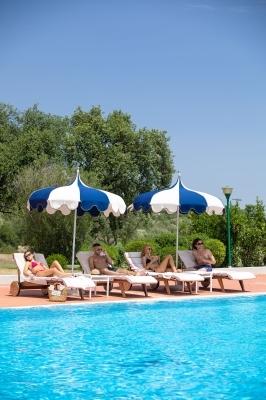 La 19 Pool Club - Relax bordo piscina